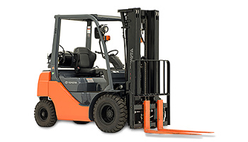 5,000 lbs. pneumatic tire forklift in Detroit